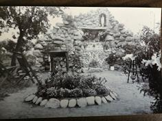 2132 1940 Grotto